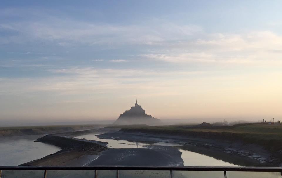 Morgendämmerung am St. Mont Michel
